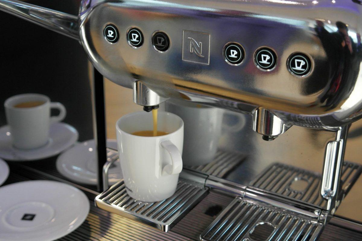 g nstige kaffeevollautomaten gebraucht kaufen tippsteria. Black Bedroom Furniture Sets. Home Design Ideas